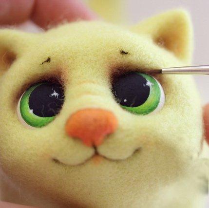 Расписываем котёнку глазки