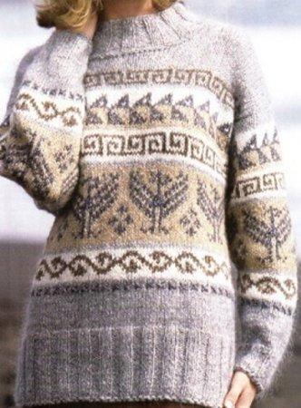 Белый свитер с жаккардовыми орнаментами