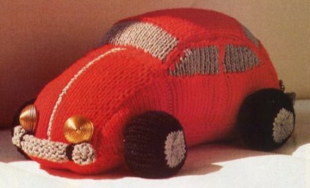 Машинка красного цвета