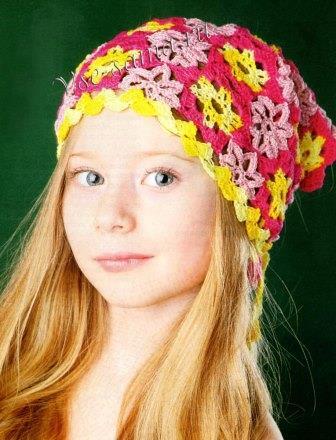 косынка для девочки крючком из цветков