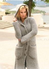 Пальто вязанные спицами со схемами и описанием