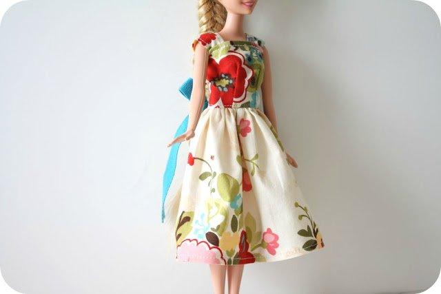 Как сшить платье на куклу с своими руками фото фото 549