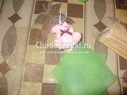 Букеты из конфет с игрушками своими руками