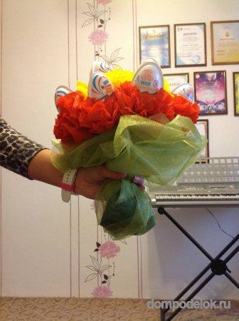 Как сделать из киндеров цветы