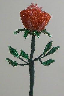 Как сделать розу из бисера для начинающих: видео, схемы и пошаговые инструкции