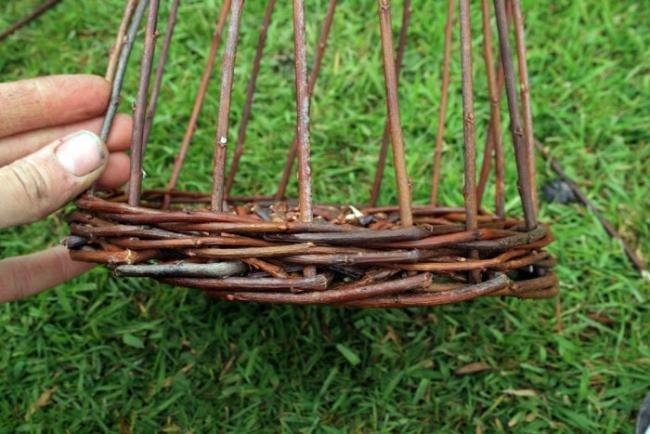 Плетение корзины из ивы видео