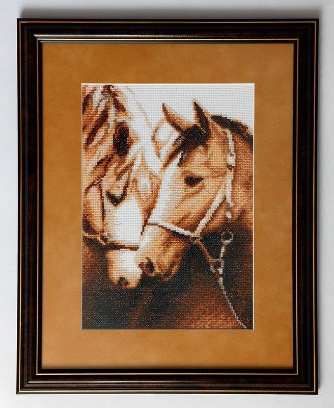 Вышивка крестом пара белых лошадей 48
