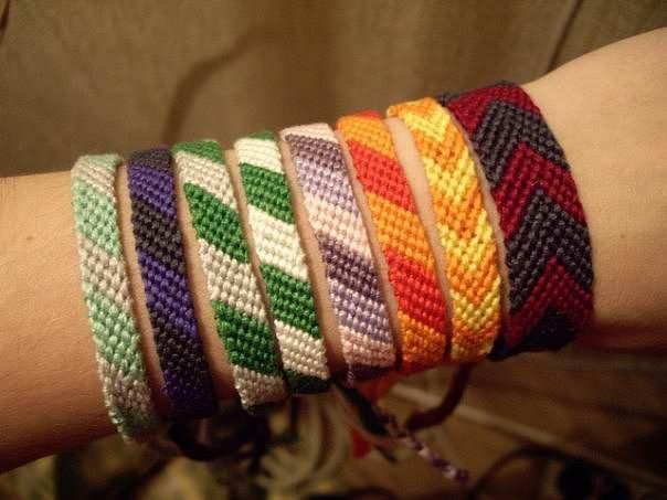 Схемы плетения фенечек из мулине: уроки для начинающих с фото и видео