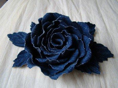 Цветы из джинсовой ткани своими руками: мастер класс пошагово и схемы