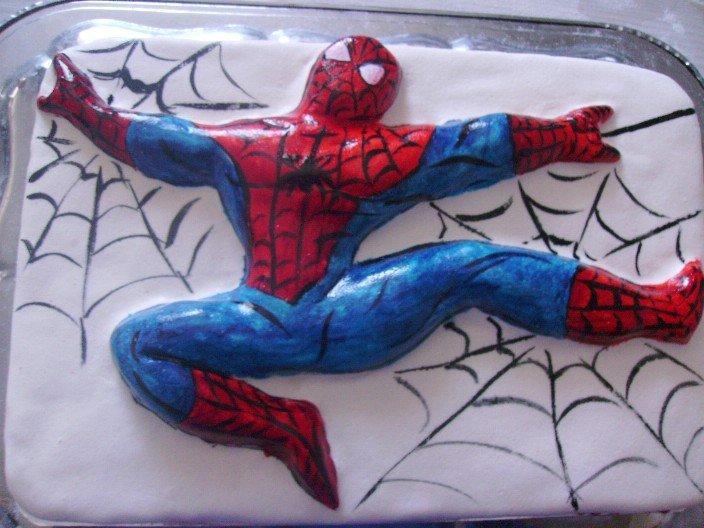 Как сделать человека паука из мастики своими руками 21