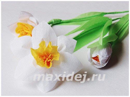 Смотреть как делать цветы из гофрированной бумаги