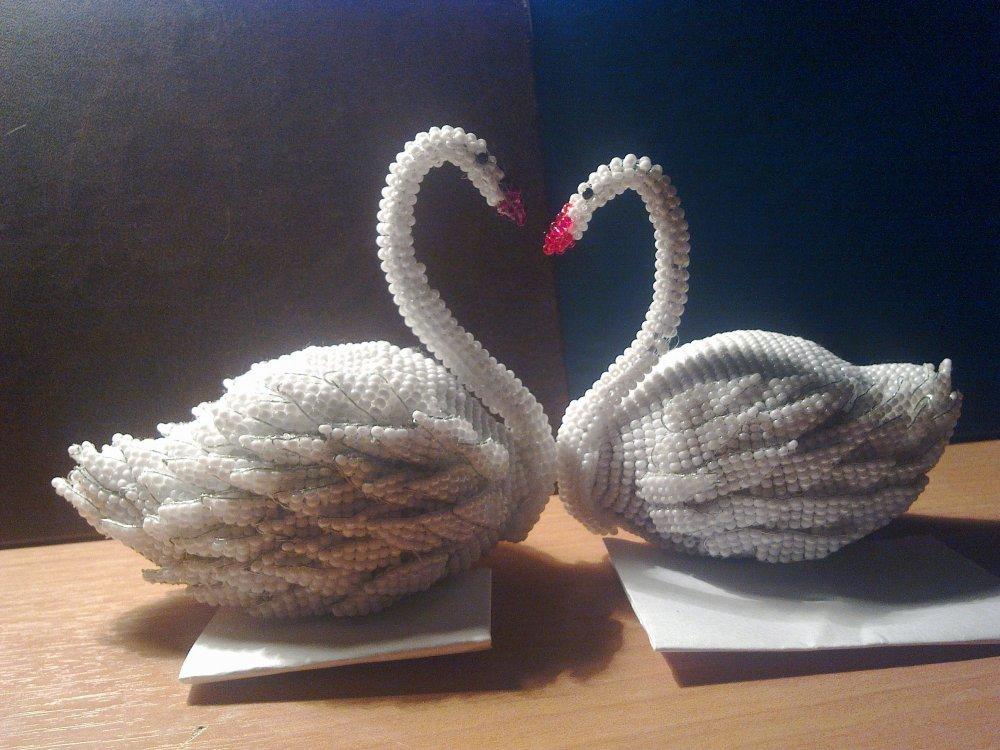 Лебедь из бисера: мастер класс для начинающих и схема