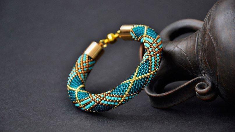 Браслет жгут из бисера: мастер класс и схема плетения