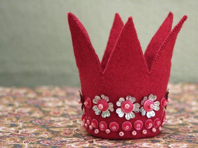 Корона из фетра своими руками: выкройка и мастер класс прилагается