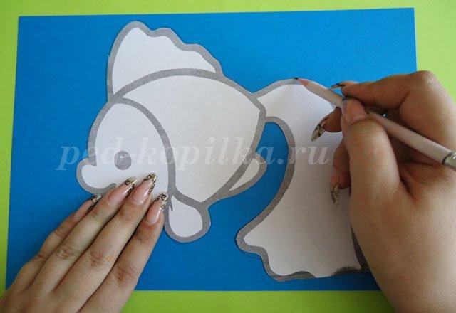 Картина из паеток своими руками: схемы для детей прилагаются: http://sdelala-sama.ru/2884-kartina-iz-paetok-svoimi-rukami.html