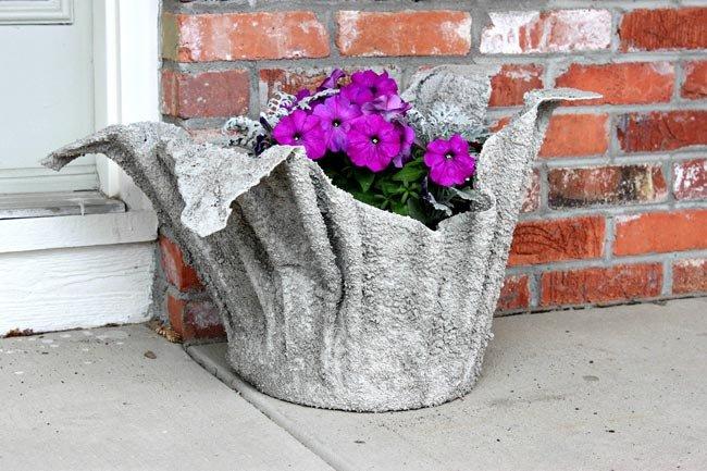Вазон для цветов из цемента