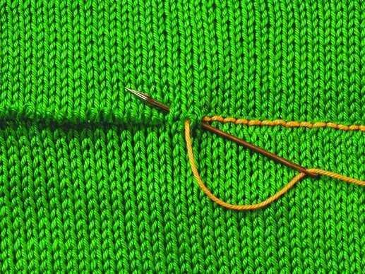 Трикотажный шов в вязании спицами: закрытие петель с фото