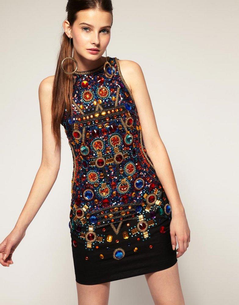 Как украсить платье своими руками