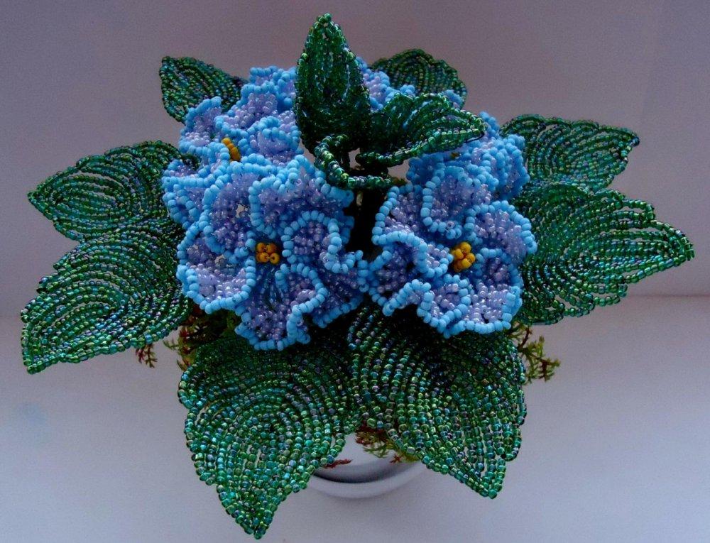 Синяя фиалка из бисера мастер класс с пошаговым фото