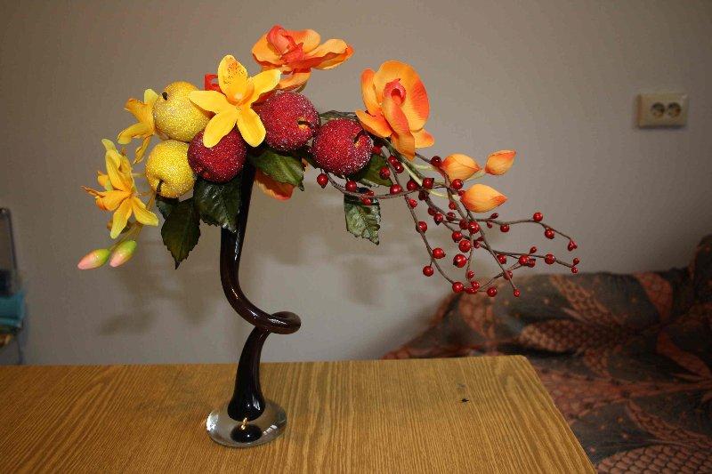 Что можно сделать из искусственных цветов