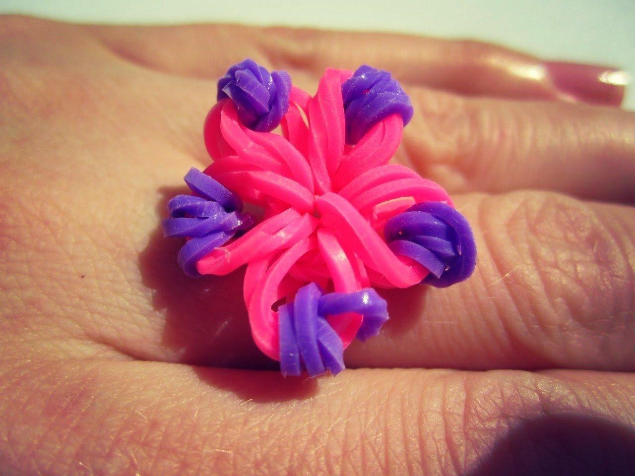 Как плести из резинок кольцо на рогатке