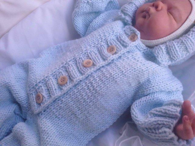 Комбинезон вязаный для новорожденных: видео-уроки для начинающих