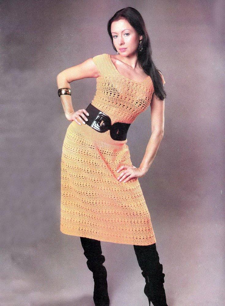 Платье из мотивов крючком