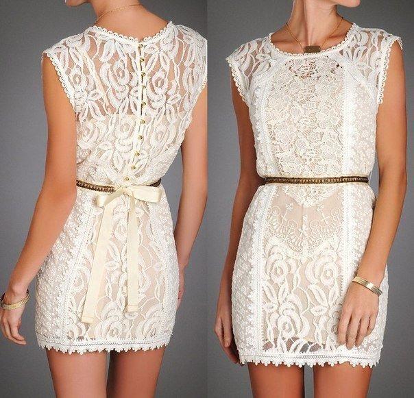 Плаття з кружевами