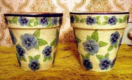 1376913913_dekupazh-gliniannogo-gorshka-svoimi-rukami-02 Декупаж цветочных горшков своими руками салфетками, работа с глиняными и пластиковыми горшками