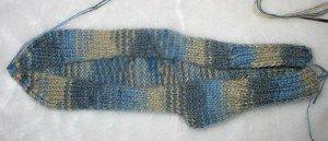 1378477577_05-viazem-noski-spicami Как связать носки спицами детям и взрослым? Узоры для носков спицами: схемы