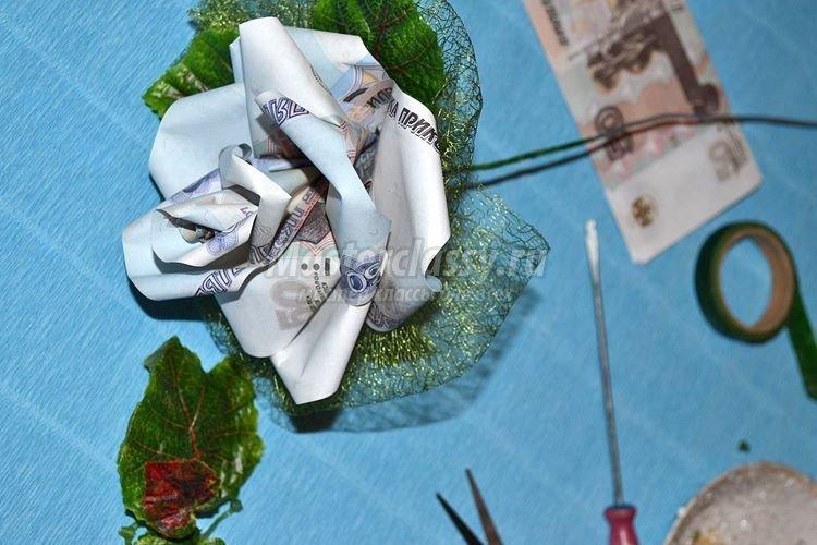 1437163011_1392901191_16_750x500 Цветы из денег пошагово своими руками (фото)