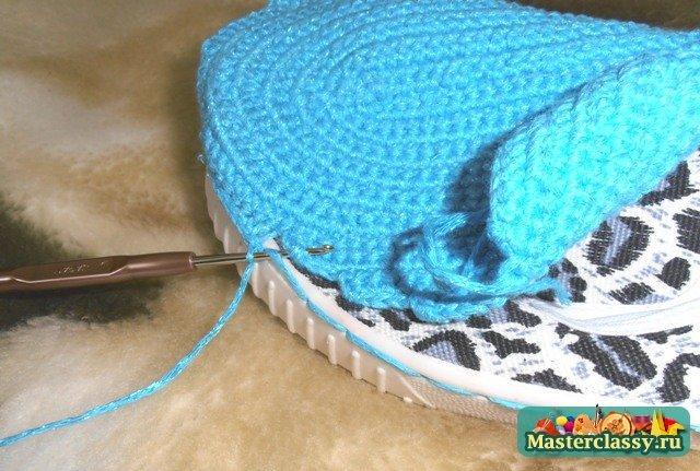 1439996976_1336248759_17 Вязаные тапочки сапожки крючком на войлочной подошве