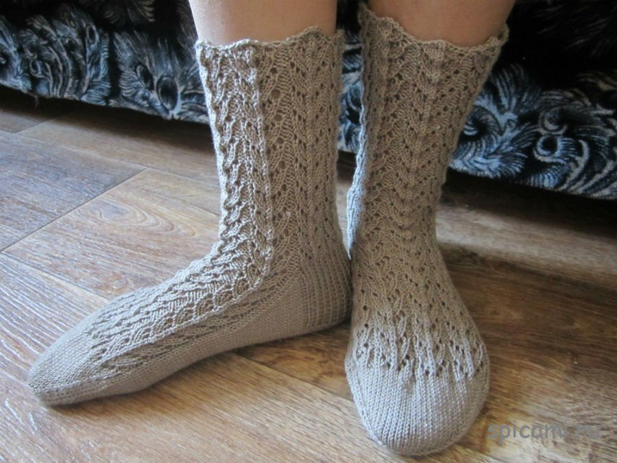 1440161140_2 Ажурные носки спицами со схемами и подробным объяснением как вязать