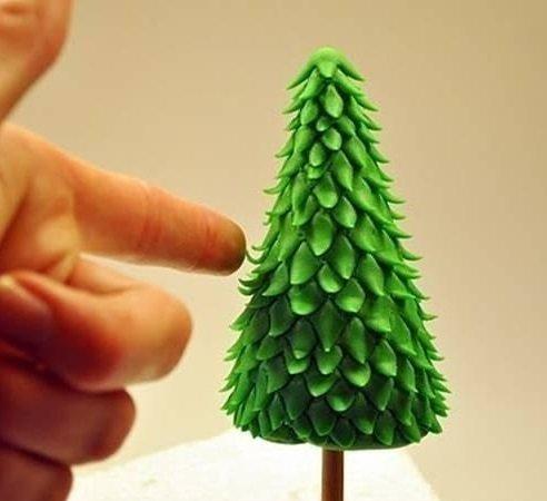 1466530072_elka-iz-plastelina Как сделать елку из пластилина своими руками пошагово с фото и видео