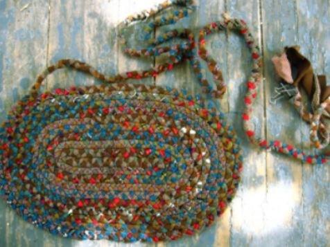 1467119739_vjazanye-kovriki-iz-loskutkov-tkani Коврики своими руками - 80 фото идей создания входных и напольных ковров