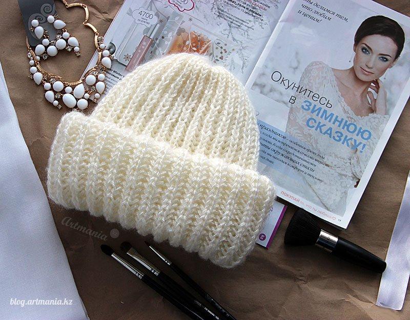 шапка английской резинкой делаем круговыми спицами по фото
