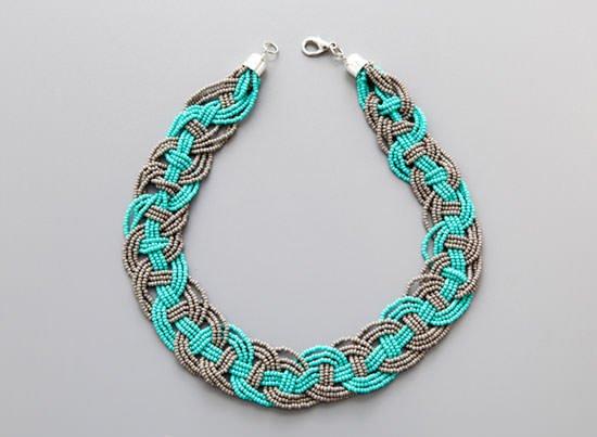 1483990331_ojerele_iz_bisera_master_klass_4 Ожерелье из бисера своими руками в видео мастер-классах