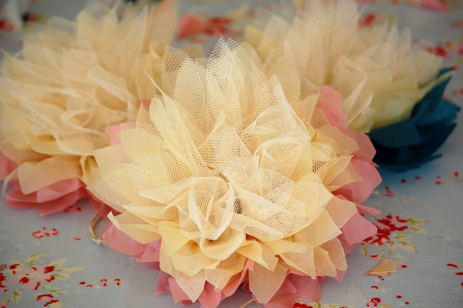 цветок из фатина своими руками фото пятикомнатная