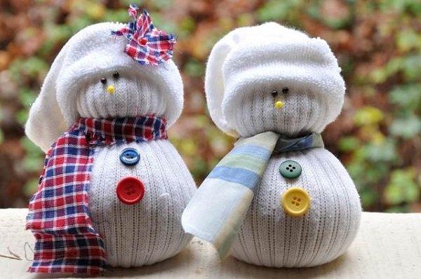 1489138969_101 Снеговик из носка своими руками мастер класс. 3 варианта, как сделать снеговика из носка