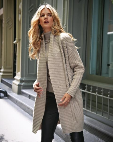 пальто спицами схемы и описание как сделать со структурным узором и