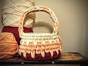 1490695391_240760 Корзинка из трикотажной пряжи: вязание крючком своими руками, идеи и мастер класс